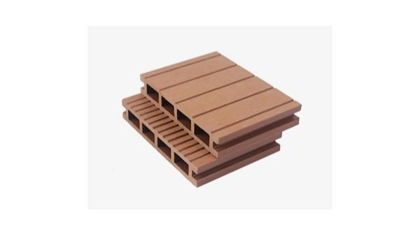如何存放塑木空心地板