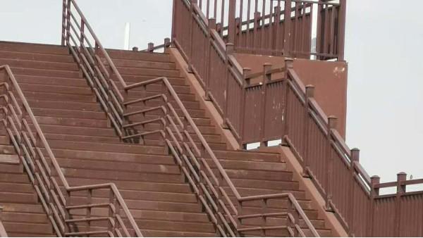 景区户外塑木楼梯完工