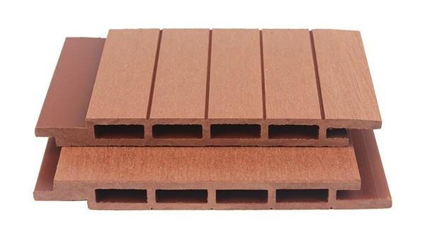 塑木地板可刨、可锯,可加工性是其他地板无法比拟的