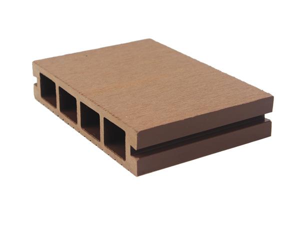 塑木地板施工材料的间隙问题