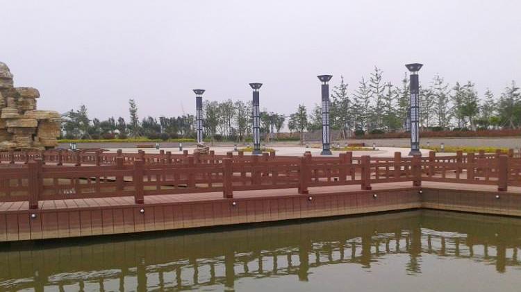 和安湖湿地公园塑木护栏工程案例