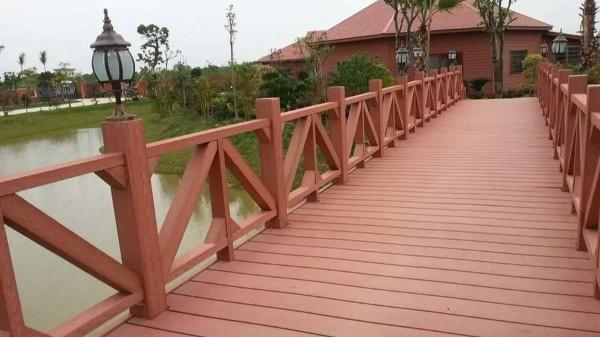 如何提高塑木护栏的强硬度问题?